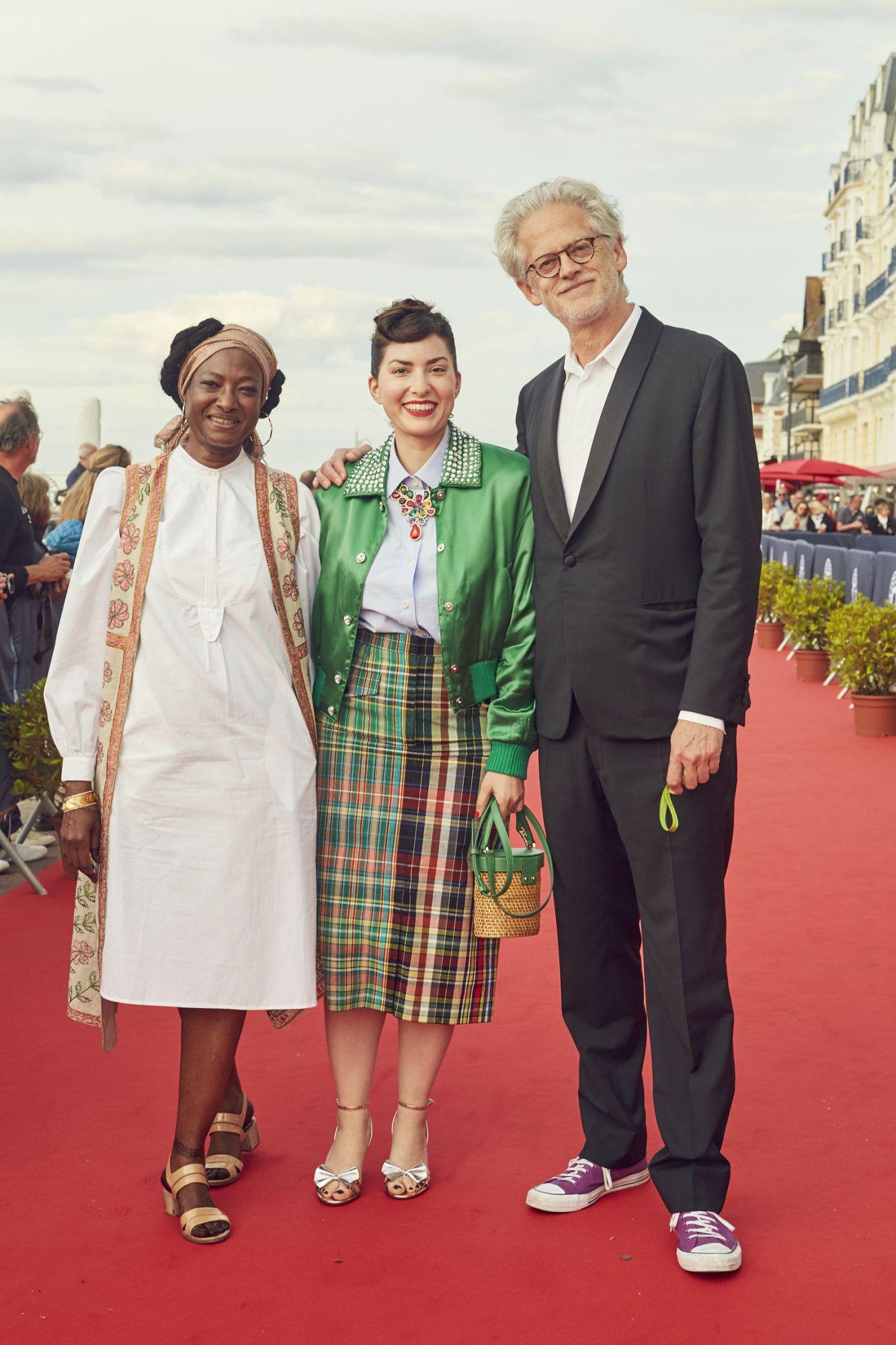 Rahmatou Keïta, Rebecca Zlotowski et Santiago Amigorena  Maquillage : Dr. Hauschka Coiffure : Franck Provost Chemise : Bourrienne Paris X