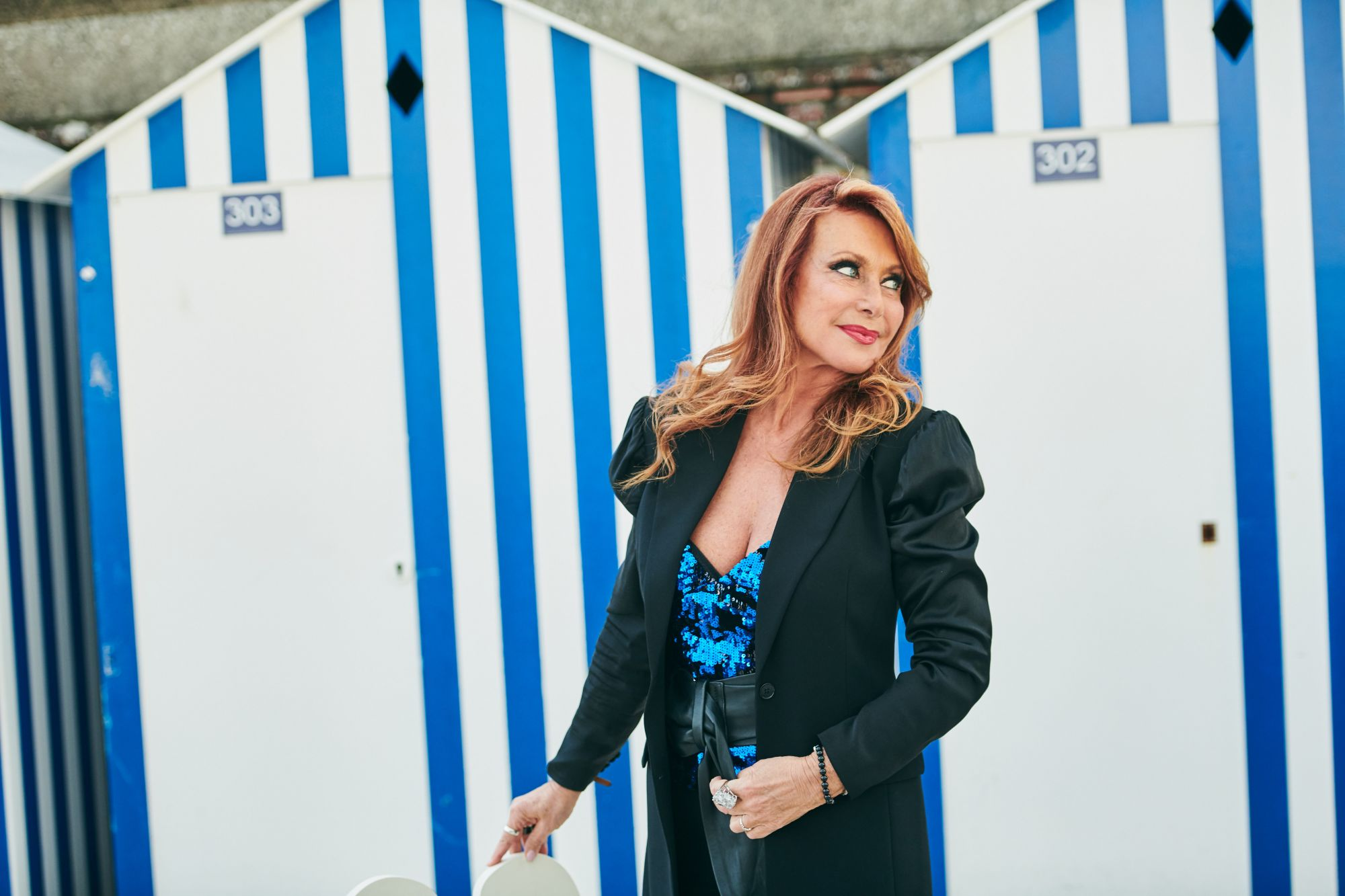 Julie Pietri Maquillage : Dr. Hauschka Coiffure : Franck Provost