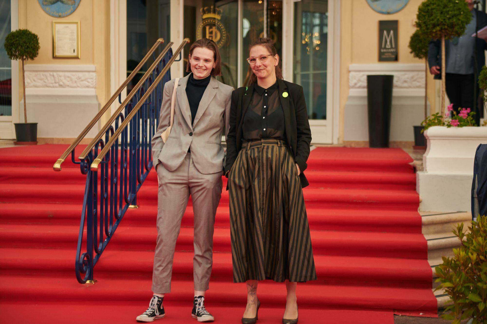Zoé Héran (actrice) et Florence Hugues (réalisatrice)  Maquillage : Dr. Hauschka Coiffure : Franck Provost